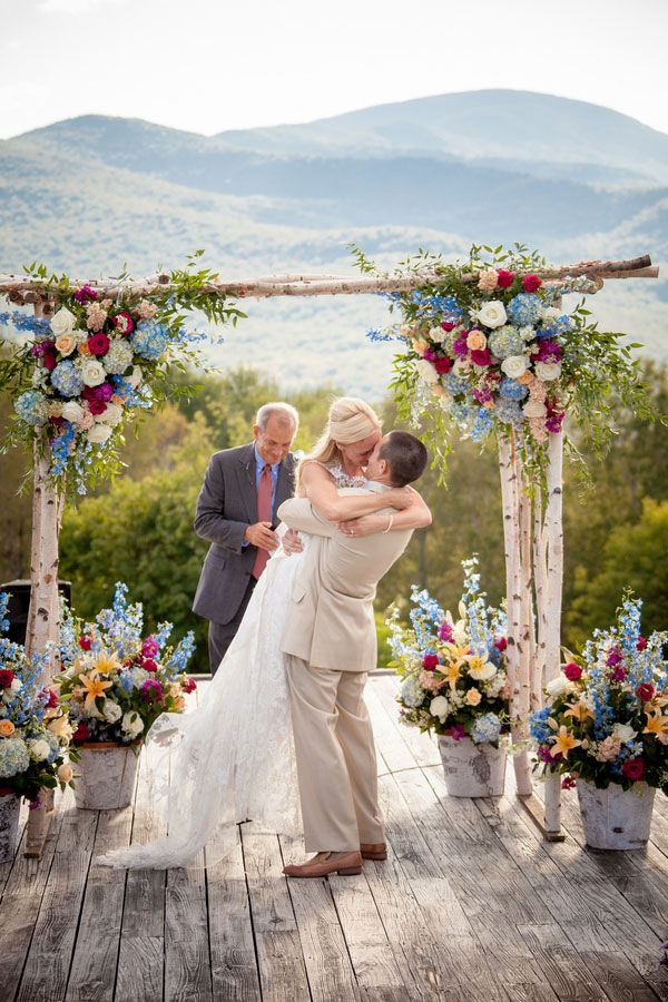 colorful-rose-and-baby-blue-hydrangea-wedding-arch-ideas
